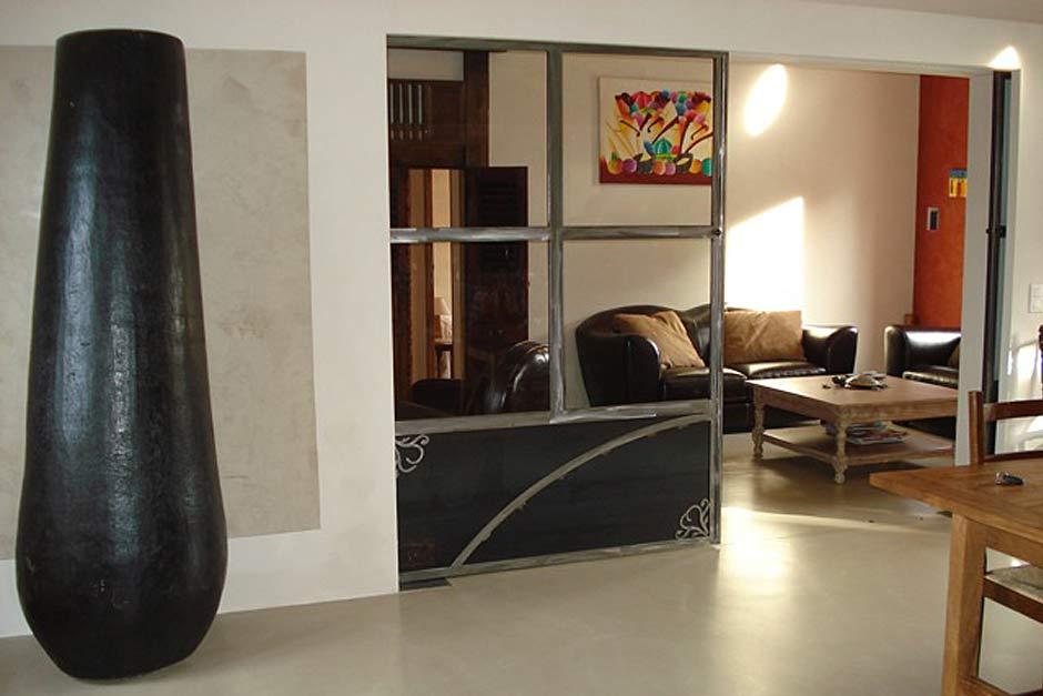 Entreprise artisan b ton cir r sine sp cialiste dr me for Mur beton cire salon